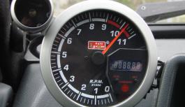Автомобильный тахометр, и для чего он необходим