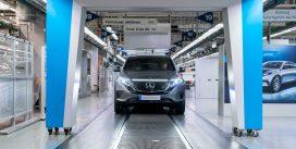 Стартувало виробництво електрокроссовера Mercedes-Benz EQC