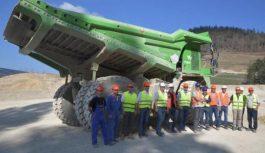 Неймовірно. 110-тонна вантажівка стала найбільшим електрокаром у світі